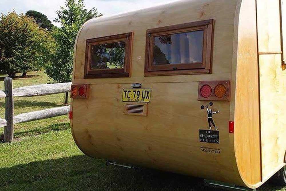 The Showoff Person, Custom Caravans