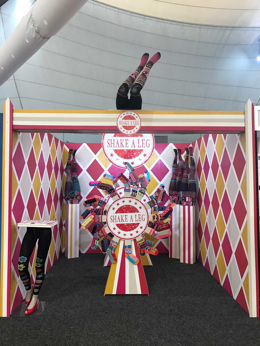 The Showoff Person, Trade show display